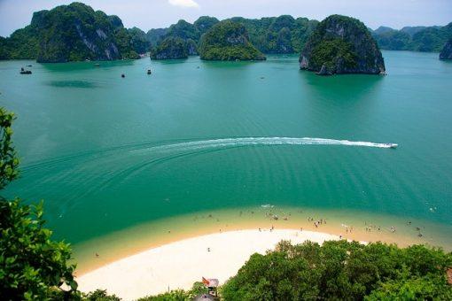 """Thỏa sức nạp """"vitamin sea"""" tại các bãi tắm đẹp khi du xuân Quảng Bình"""