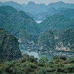 Vịnh Lan Hạ – điểm đến hoang sơ thích hợp khám phá vào dịp Tết